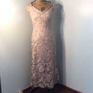 Tadashi Sholi Cream Evening Gown